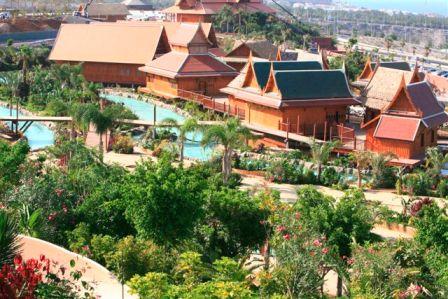 Mercado flotante en el Siam Park