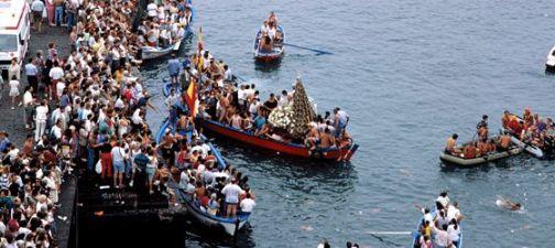 Embarcación de la Virgen del Carmen