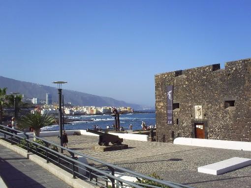 El castillo de san felipe en el puerto de la cruz - Coches de alquiler en puerto de la cruz tenerife ...