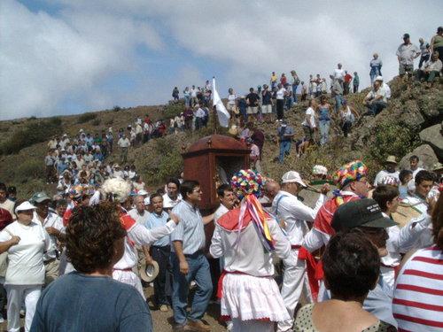 Danzarines en Bajada de la Virgen