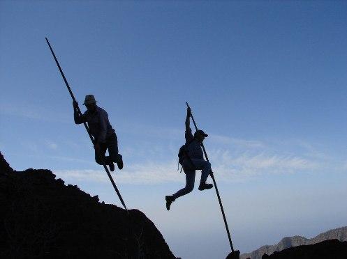 El Salto del Pastor, tradición de riesgo