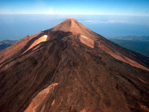 La Cueva del Hielo, un congelador en el Teide